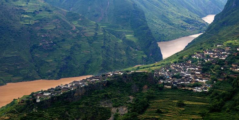 2 Days Lijiang Jade Dragon Snow Mountain and Baoshan Stone Town Tour