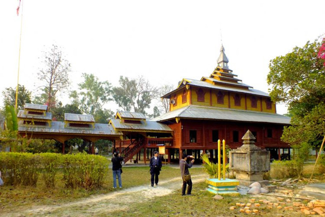 Dadenghan Dai Village in Ruili City, Dehong