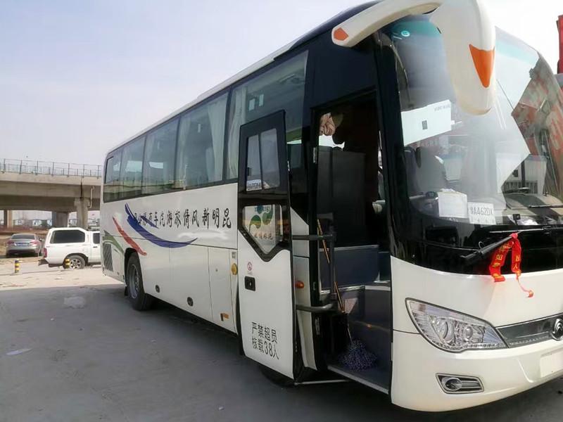 38-Seat Tourist Bus of Yunnan Exploration-02