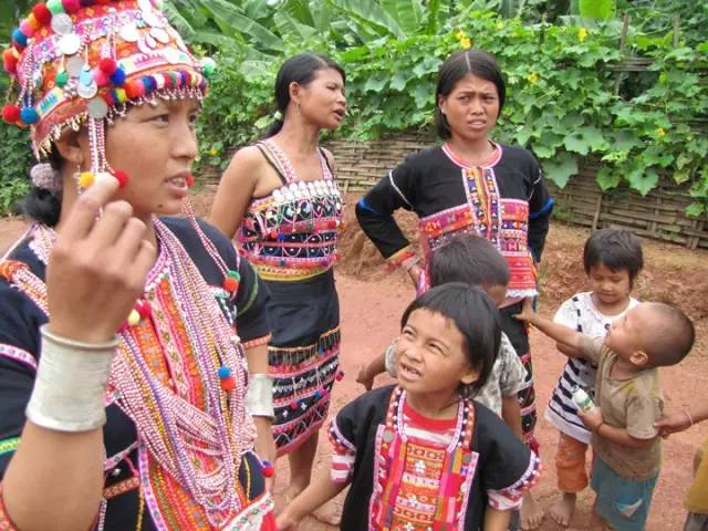 Akezhai Village and Ake Ethnic People in Menghai County, XishuangBanna