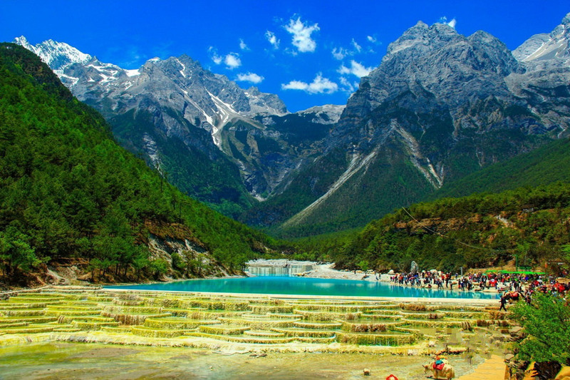 Blue Moon Valley and Baishuihe River in Lijiang