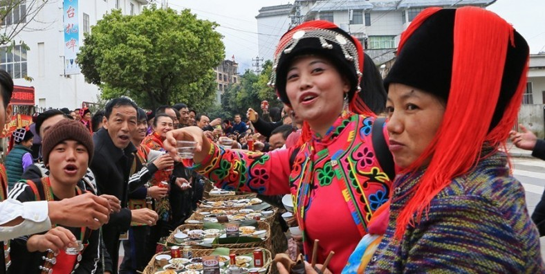 7 Days Honghe Hani Ethnic Minority's Long Street Banquet Festival and Yuanyang Rice Terraces Photograph Tour