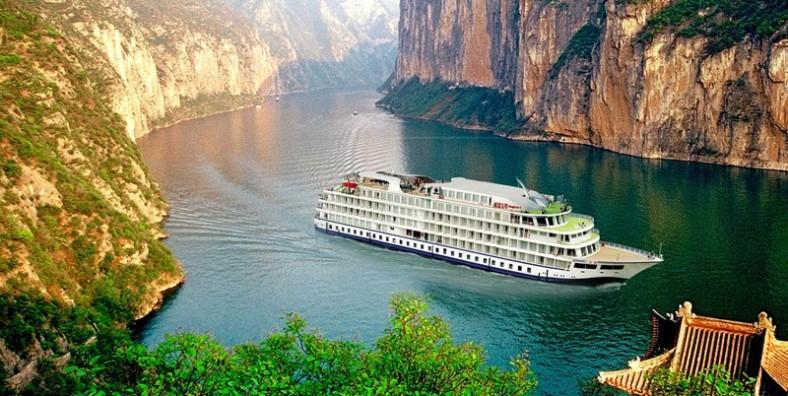 26 Days China Panorama Tour with Yunnan, Tibet and Yangtze River Cruise