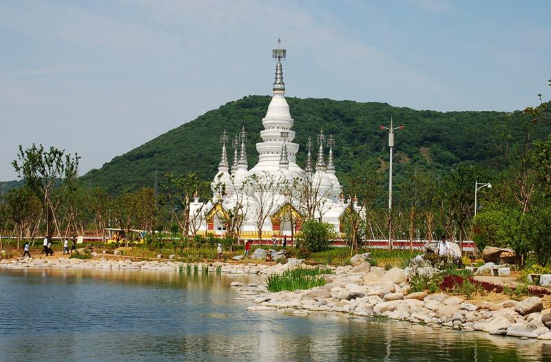 Manfeilong Pagoda in Jinghong, Xishuangbanna