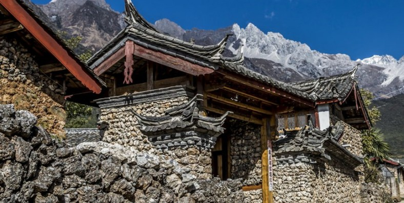 1 Day Jade Dragon Snow Mountain Hiking Tour from Yufeng Monastery to Yulong Reservoir and Yuhu Village