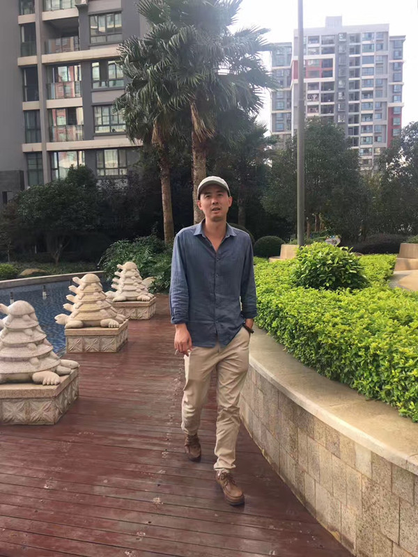 Michael Huang-Yunnan French-speaking Tour Guide