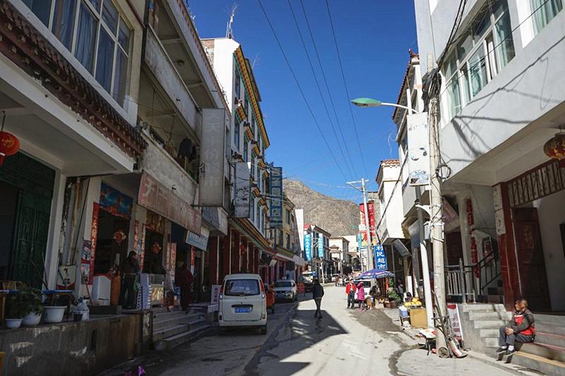Benzilan Town in Deqin County, Diqing