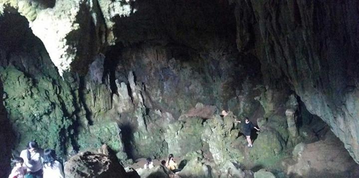 Cuiyun Xianrendong Cave in Puer City