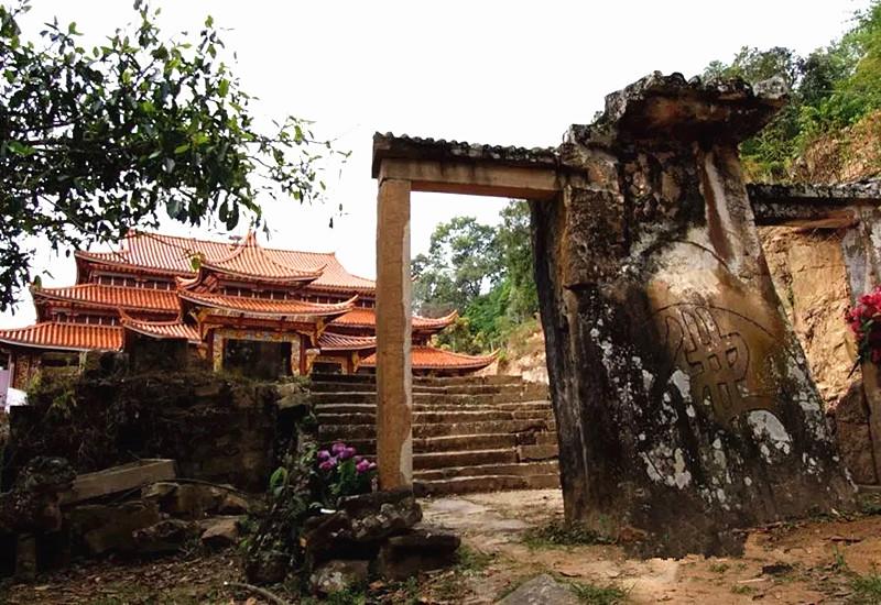 Daxianrenjiao Temple in Jinggu County, Puer