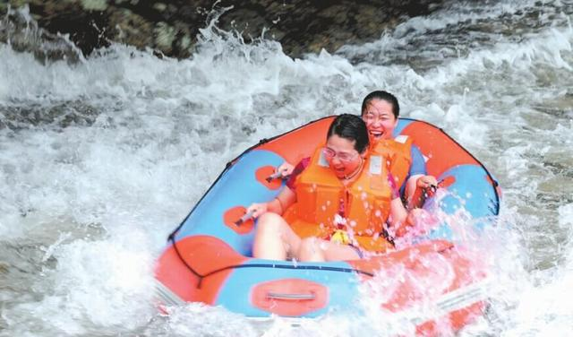 Jinsanxia Scenic Area in Yimen County, Yuxi