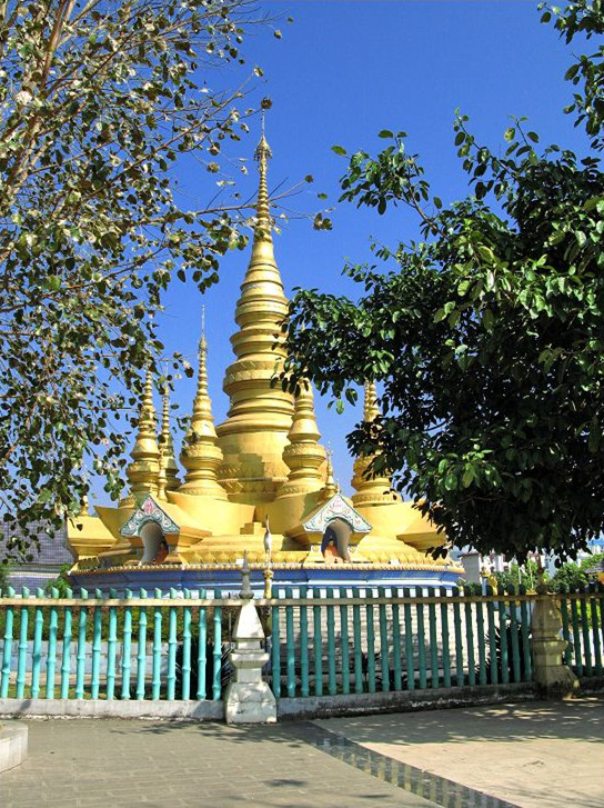 Menglian Golden Pagoda in Puer