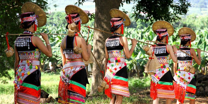 10 Days Southeast Yunnan Family Tour with Ethnic Culture, Rice Terraces, Mushroom House & Butterfly Valley