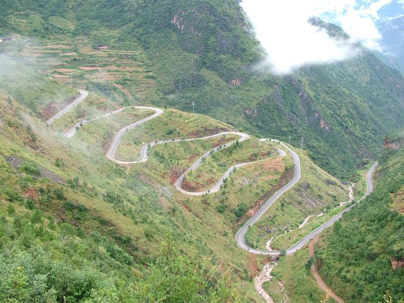 18 Bends of Lijiang-Ninglang Road in Lijiang