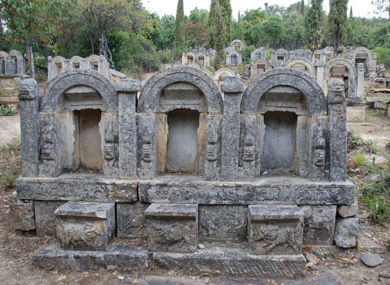Ancient Tombs of Yingpan Village in Yongsheng County, Lijiang-02