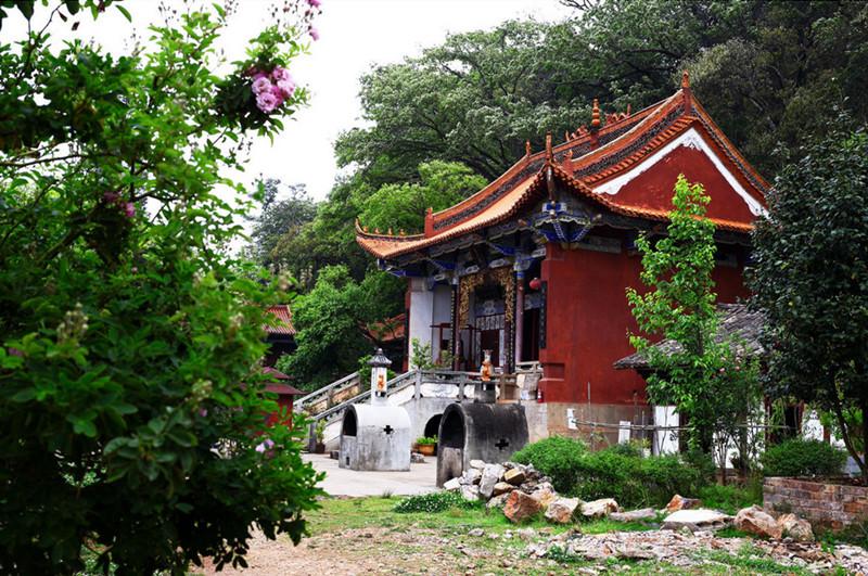 Fengzeyuan Botanical Garden in Songming County, Kunming