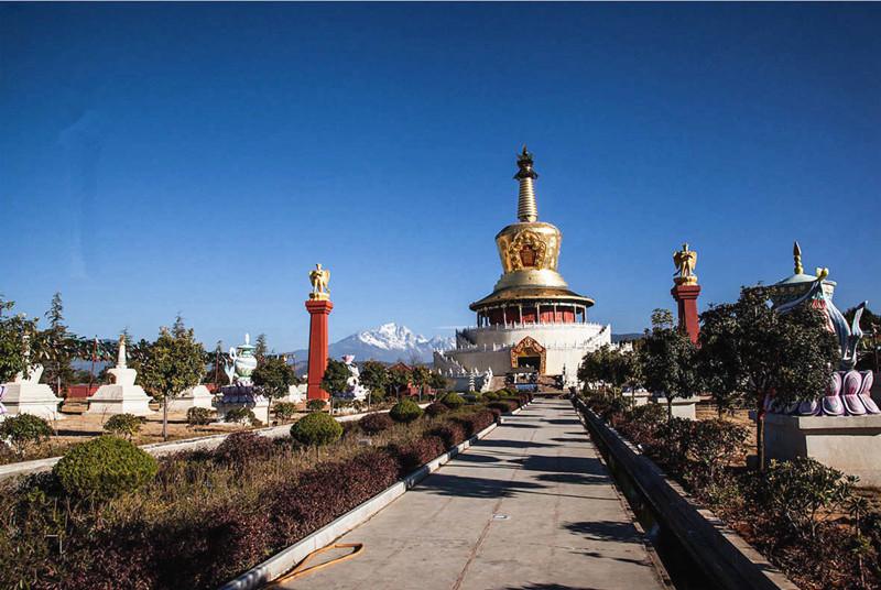 Golden Pagoda Scenic Area in Lijiang-09