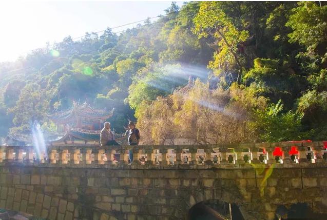 Guanyin Pavillion and Lingyuanqing Valley in Yongsheng County, Lijiang-05