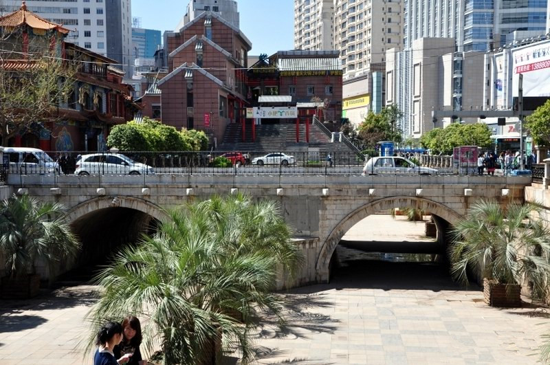Huguo Bridge in Kunming-02