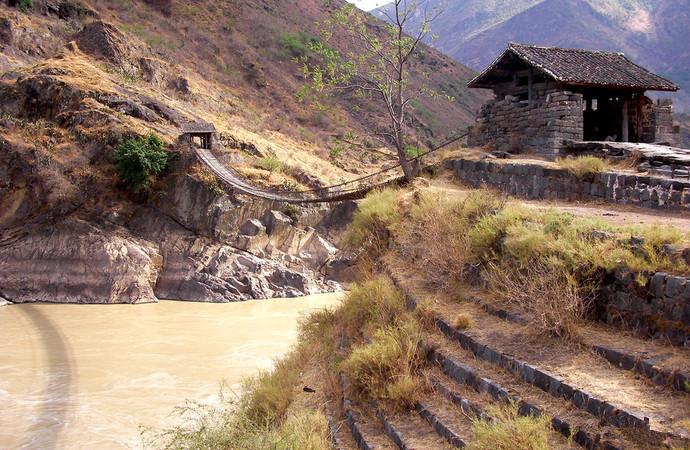 Jinlong Bridge in Yongsheng County, Lijiang