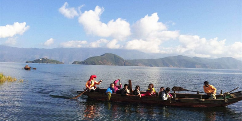 13 Days Yunnan Trekking Tour from Lugu Lake to Baoshan Stone Town and Tiger Leaping Gorge
