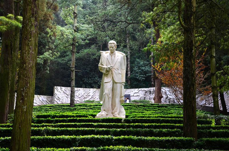 Tomb of NiE in Western Hills, Kunming-04