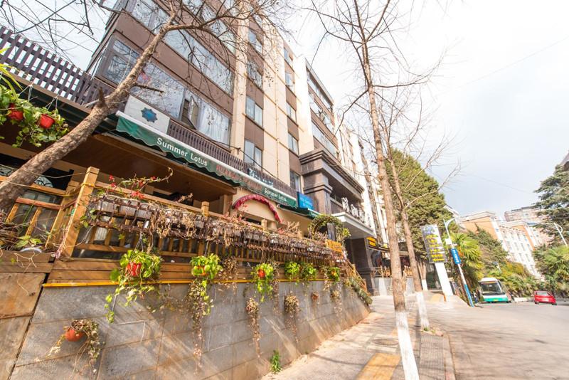 Wenlin Street in Kunming-02