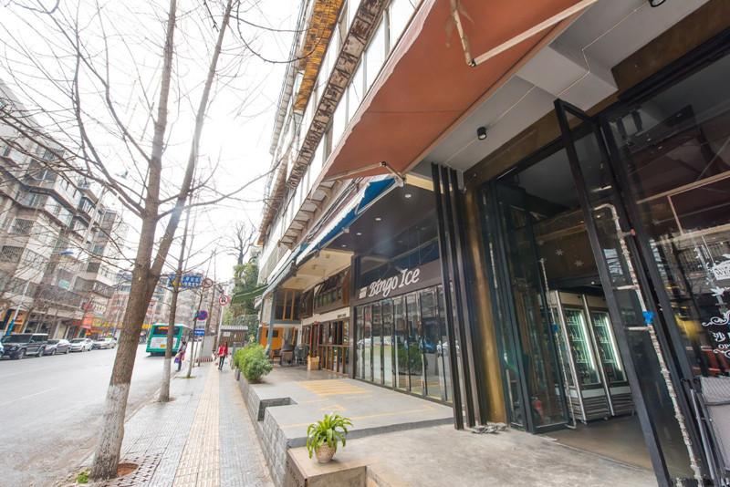 Wenlin Street in Kunming-03