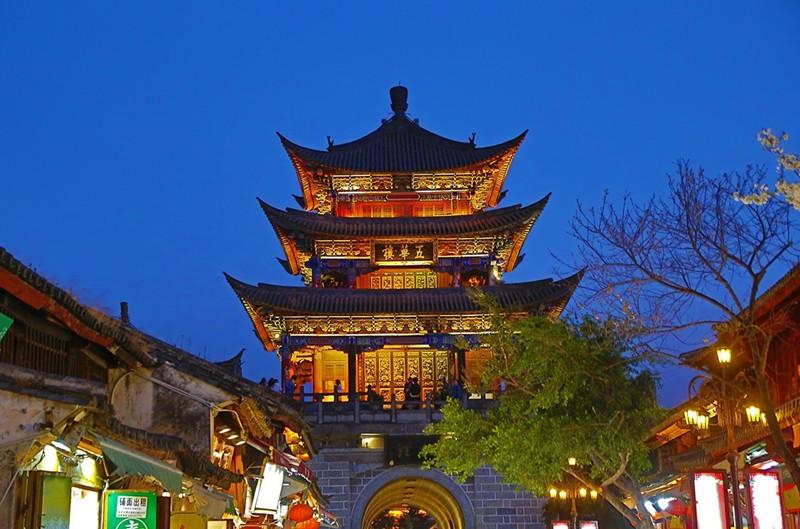 Wuhua Tower in Dali Old Town-04