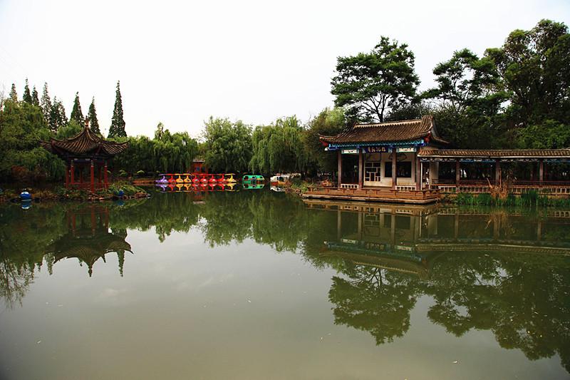 Xihua Park in Kunming-04