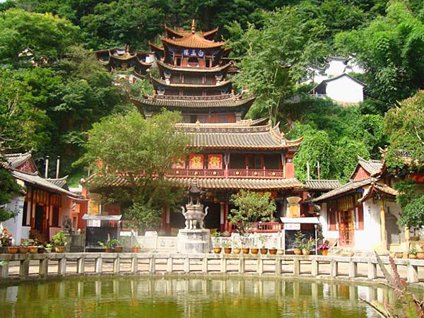 Yuanshidong Cave in Mengzi City, Honghe