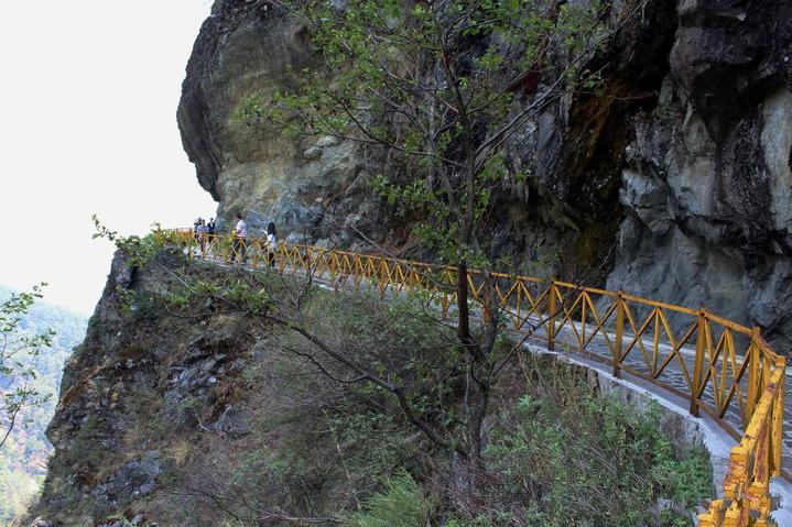 Jade Belt Cloud Wandering Road of Cangshan Mountain in Dali