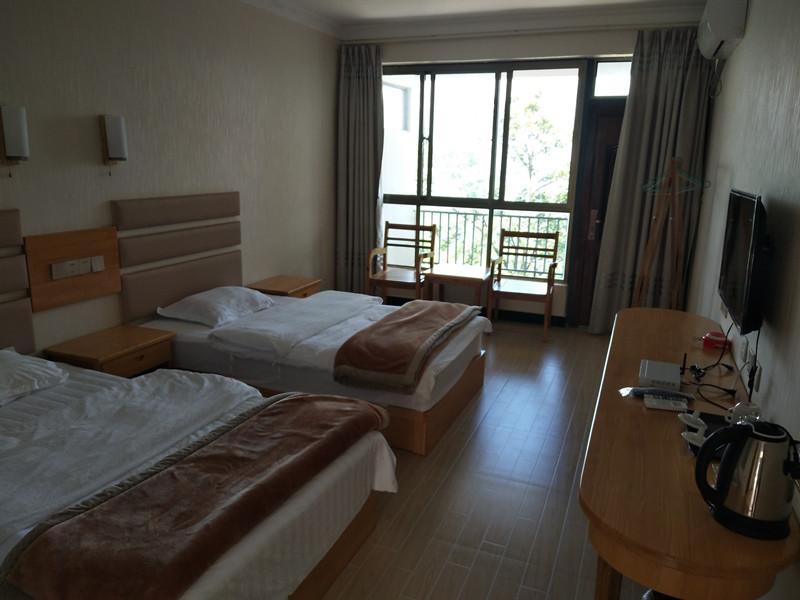 Laohou's Family Guesthouse in Baihualing, Baoshan-04