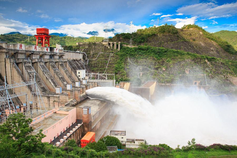 Manwan Hydropower Station between Jingdong and Yunxian