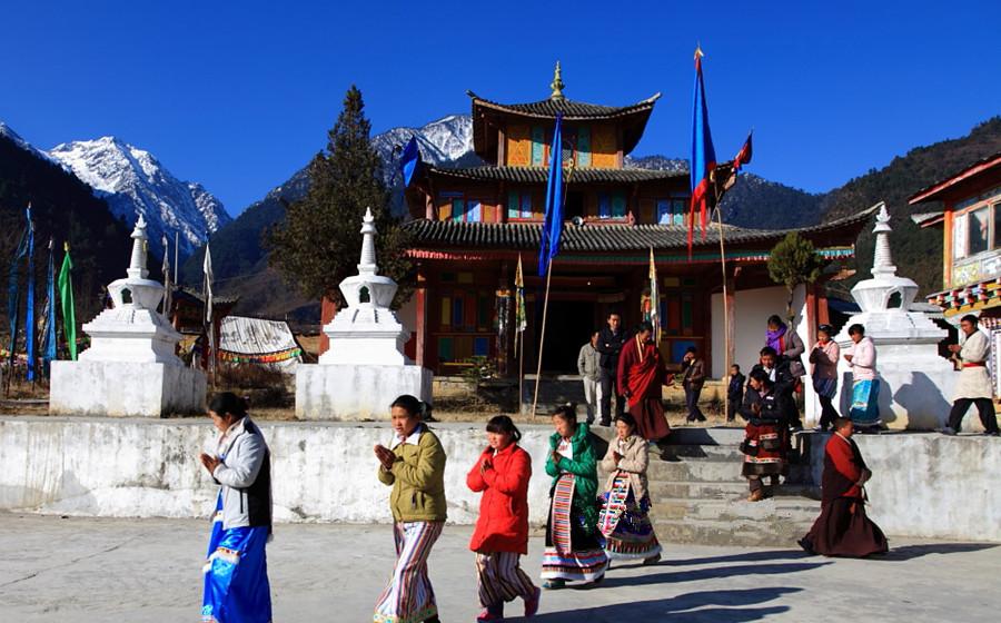 Puhua Temple in Bingzhongluo, Nujiang