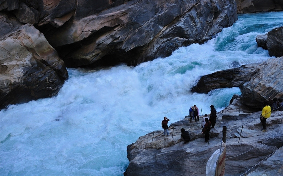 The Middle Section of Tiger Leaping Gorge