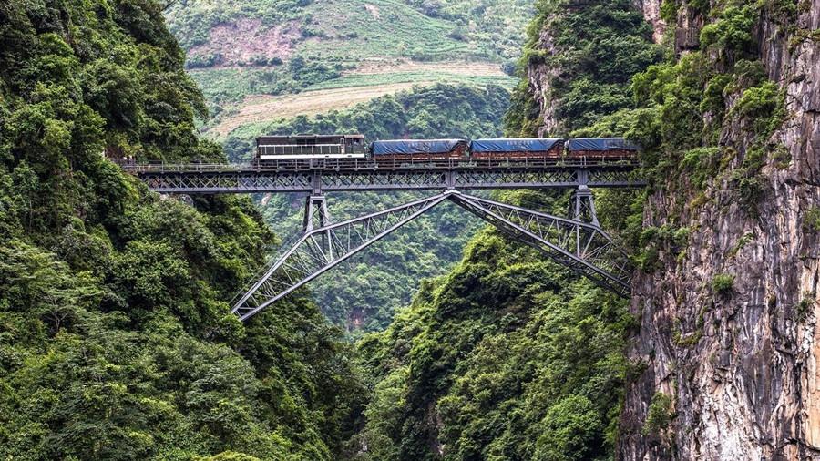Wujiazhai Ren-shaped Bridge of Yunnan-Vietnam Railway in Pingbian County, Honghe
