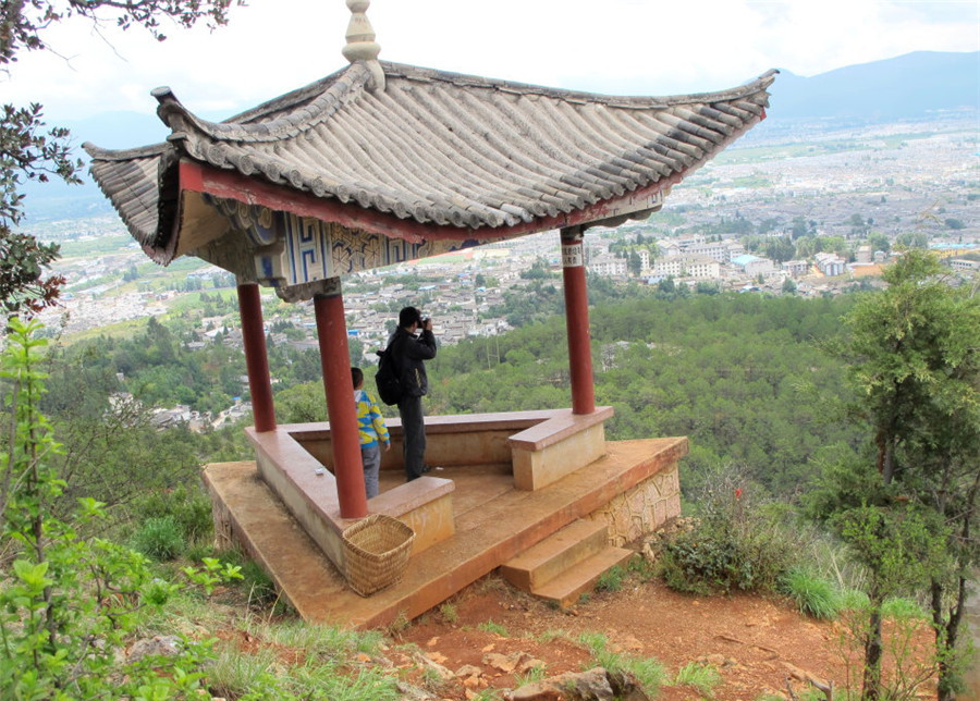 Elephant Hill in Lijiang