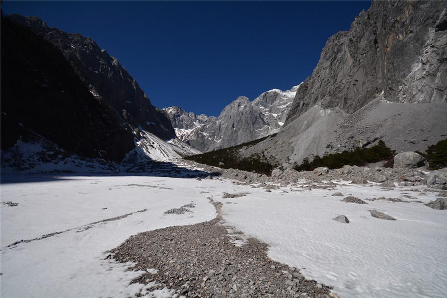 Ganheba Valley of Jade Dragon Snow Mountain, Lijiang