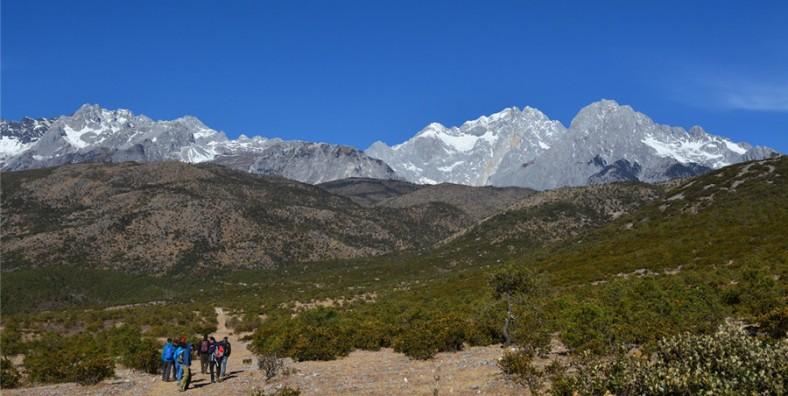 1 Day Lijiang Jade Dragon Snow Mountain Hiking Tour from Yuhu Village to Ganheba Valley