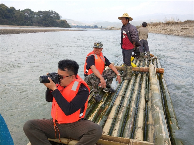 Cun Zhiyong, a local Yingjiang eco photographer