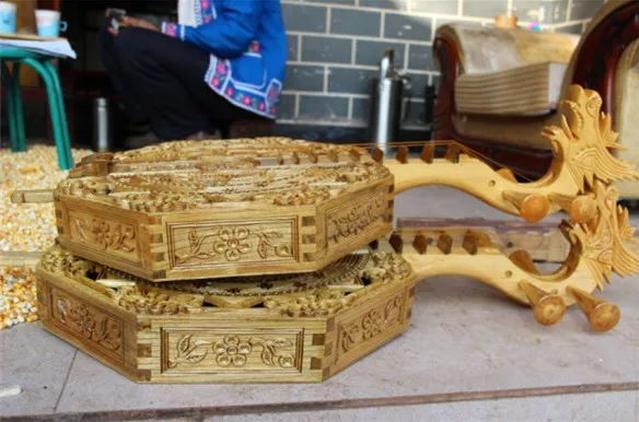 Yueqin-making craftin Nanhua County, Chuxiong