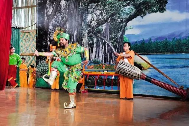 Yue Xiang - Representative Inheritor of Dai Peacock Dance in Ruili City, Dehong