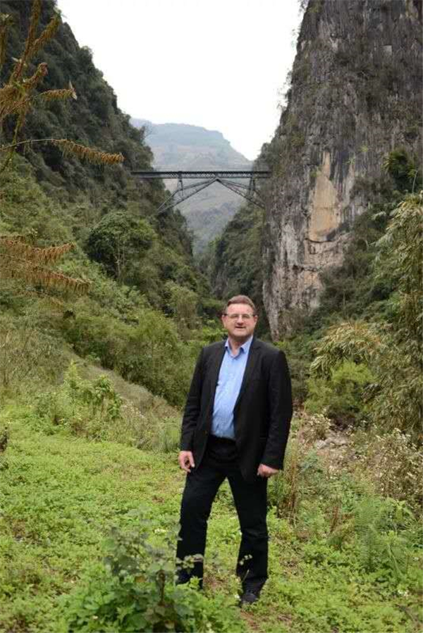 Pei Yifeng, a Frenchman in Yunnan