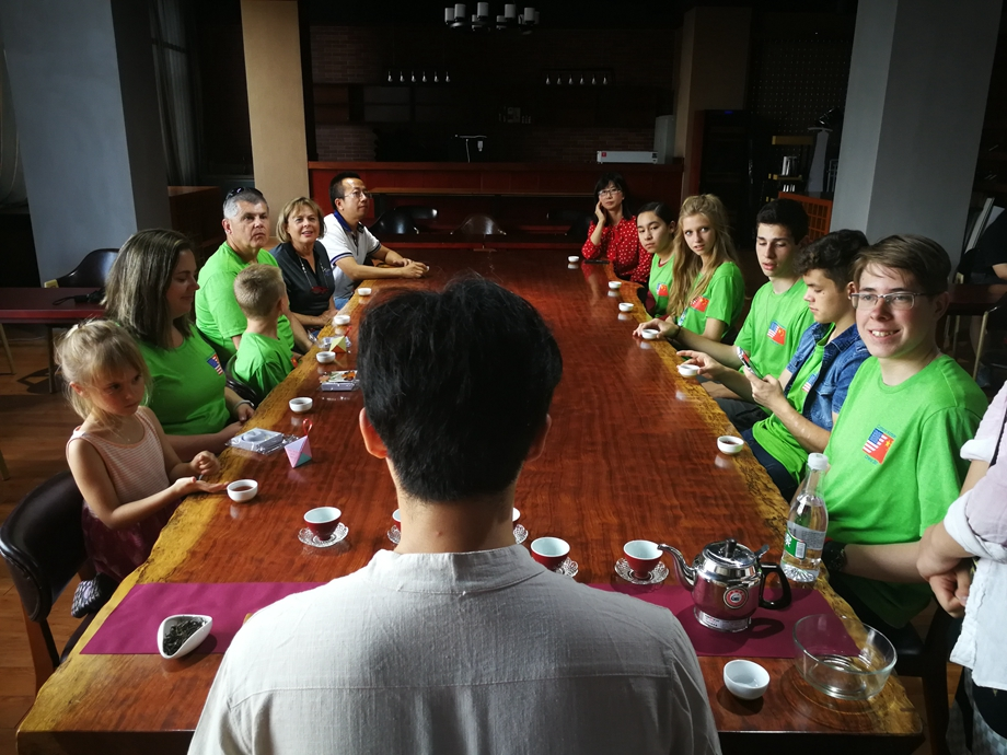 Americans experience the charm of Yunnan