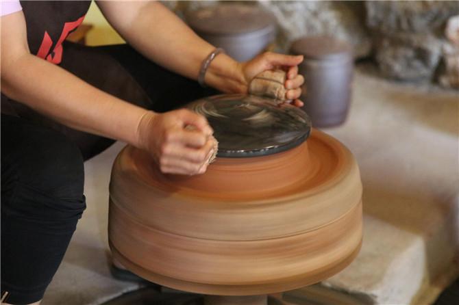 Ceramic making in Yunnan