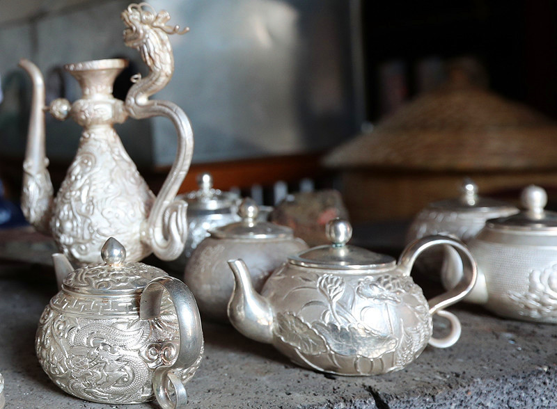 Silverware in Xinhua Village of Heqin County, Dali