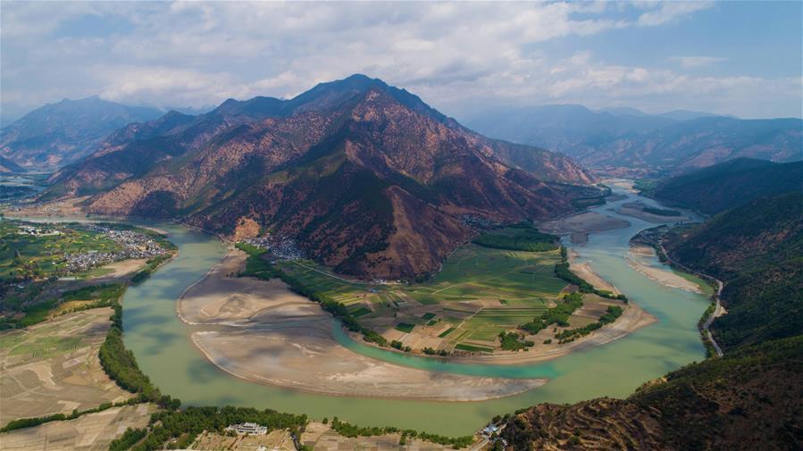 The bend of Jinsha River at Shigu village, Yulong Naxi autonomous county in Lijiang