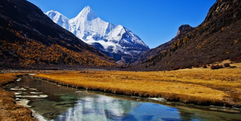 13 Days Grand Shangri-La Adventure Circle Driving Tour from Lugu Lake to Daocheng Yading