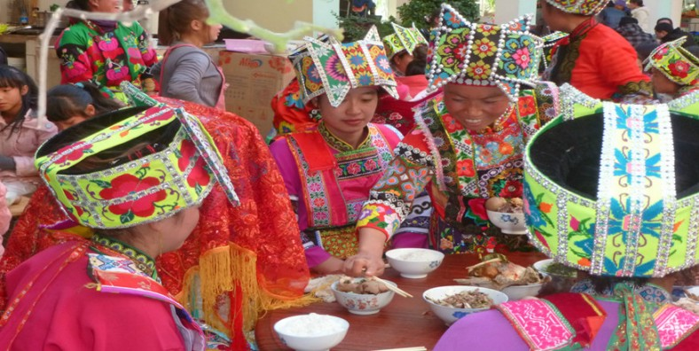 16 Days Vietnam-China(Yunnan) Railway Tour from Hanoi to Hong Kong