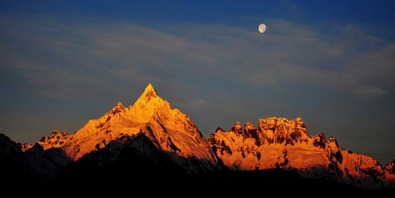 12 Days Yunnan Classic Tour with Meili Snow Mountain and Lugu Lake Pilgrimage